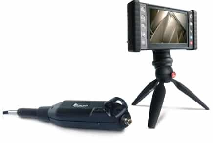 Endoscoop met scherm voor het opsporen van lekken